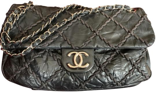 Preload https://img-static.tradesy.com/item/24715245/chanel-jumbo-ultra-stitch-black-leather-shoulder-bag-0-3-540-540.jpg
