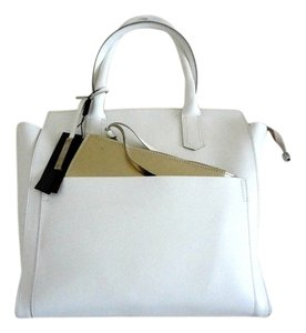 INNUE' Tote in White, Gold
