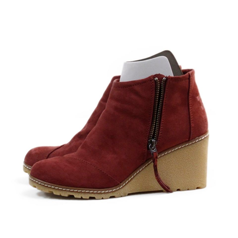 d8ca875e57b TOMS Oxblood Avery Crepe Wedge Boo Boots Booties Size US 8 Regular ...