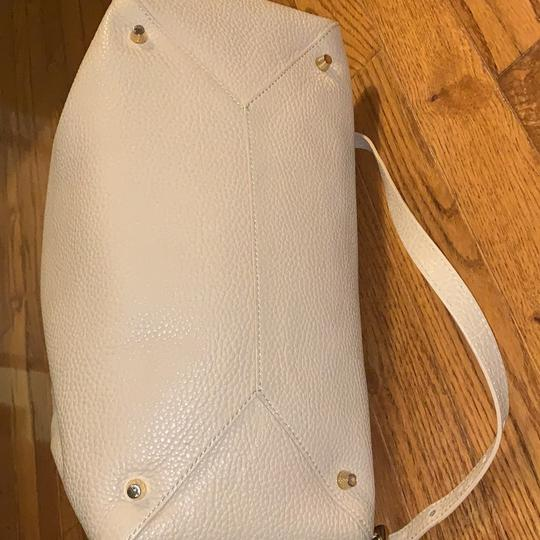 Burberry Leather Grainy Bowling Satchel in nude, beige Image 4
