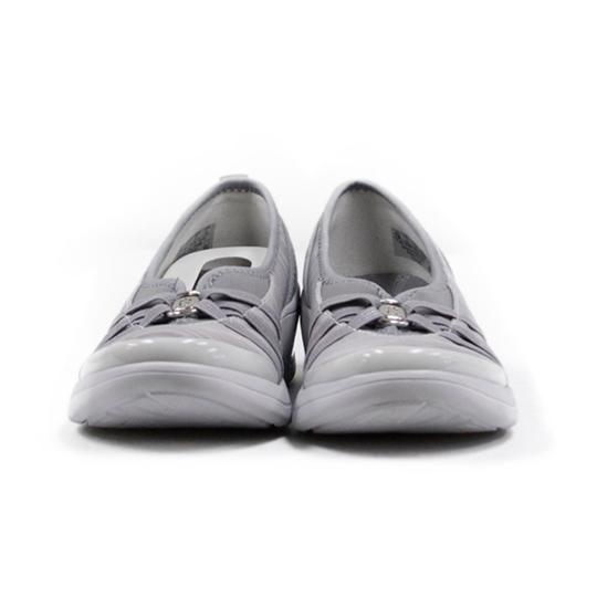 Preload https://img-static.tradesy.com/item/24715559/gray-rosie-slip-on-bootsbooties-size-us-6-regular-m-b-0-0-540-540.jpg