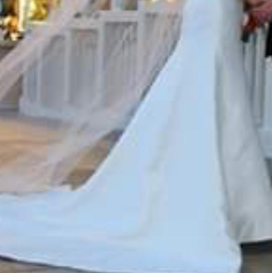 Preload https://img-static.tradesy.com/item/24716166/off-white-satin-and-floor-length-veil-feminine-wedding-dress-size-8-m-0-0-540-540.jpg