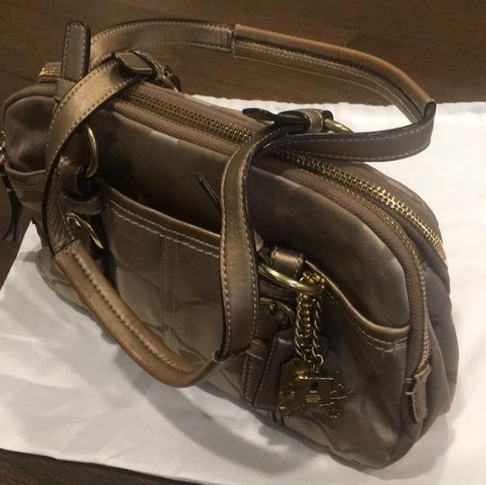 Coach Satchel in gold Image 1