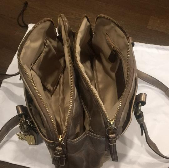 Coach Satchel in gold Image 4