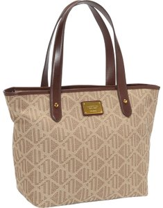 Brown Lauren Ralph Lauren Totes - Up to 90% off at Tradesy 011dda9493b01