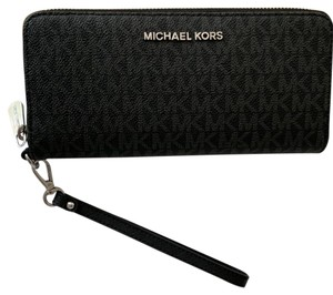 Michael Kors Leather Silver Hardware Signature Wristlet in Black