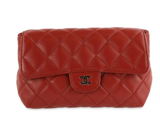 Preload https://img-static.tradesy.com/item/24719406/chanel-red-quilted-leather-cosmetic-bag-0-2-540-540.jpg