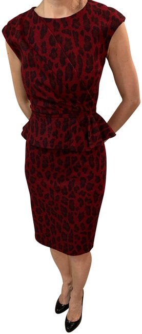 Item - Red Mid-length Formal Dress Size 2 (XS)