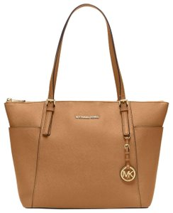 MK Michael Kors Sale Tote in Acorn/Gold