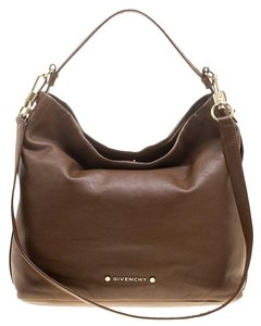 Givenchy Hobo Bags - Up to 90% off at Tradesy 76f0cc60d629a