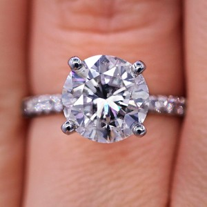 Magnificent 5.01 Tcw Diamond Engagement Ring