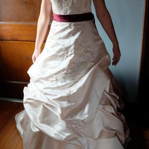 New Preowned Satin Modern Wedding Dresses Up To 90 Off At Tradesy