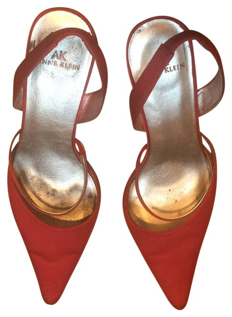 Item - Red Ecstasy Satin Pumps Size US 8 Regular (M, B)
