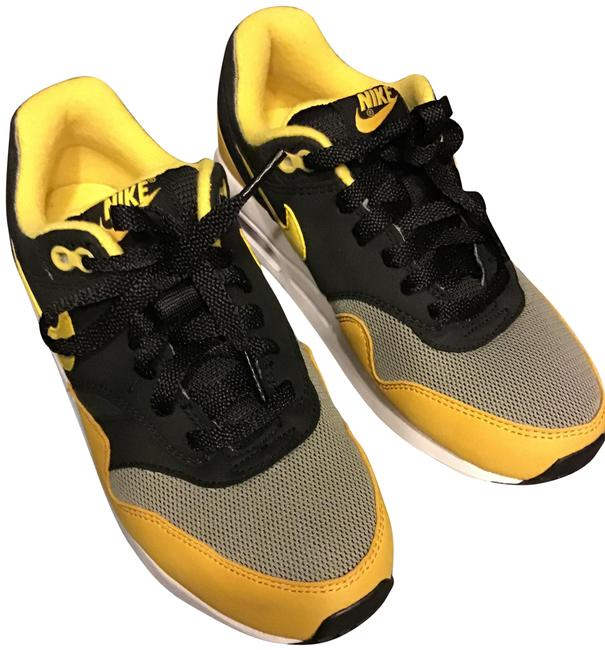 Item - Black/Yellow/White Childrens***nike Sneakers Size US 5 Regular (M, B)