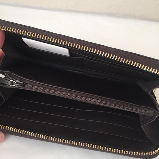 Gucci leather wallet with zip Image 4