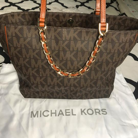 MICHAEL Michael Kors Tote in brown and gold Image 2