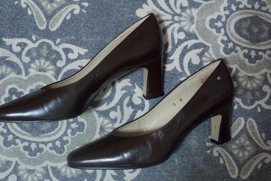 Etienne Aigner Leather Chunky Heeled brown Pumps Image 3