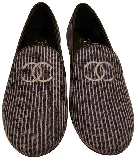 Preload https://img-static.tradesy.com/item/24728391/chanel-bluegrey-18a-striped-fabric-leather-loafers-moccasin-flats-size-eu-36-approx-us-6-regular-m-b-0-1-540-540.jpg