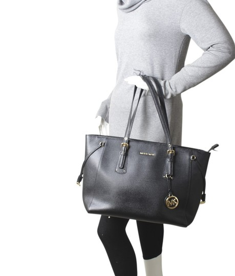 Michael Kors Leather Gold-tone Unknown Tote in Black Image 1