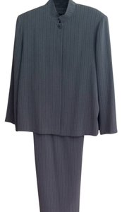 Hino&Malee Long Skirt Suit