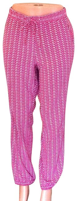Preload https://img-static.tradesy.com/item/24729426/new-york-and-company-pink-and-white-geometric-joggers-pants-size-16-xl-plus-0x-0-2-650-650.jpg
