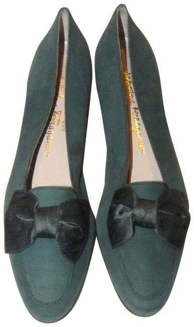Item - Forest Green Suede with A Silk Bow At The Toe Boutique Flats Size US 7.5 Narrow (Aa, N)