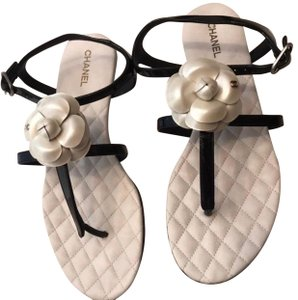8bbe119e43490c White Chanel Sandals - Up to 90% off at Tradesy