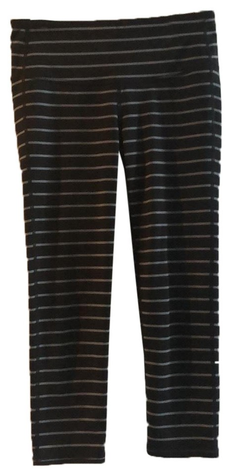 cced7e9684d4a9 Athleta Black/Gray Cropped Striped Leggings. Activewear Bottoms Size ...