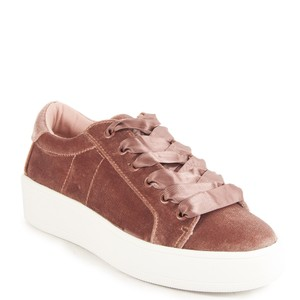 2311aa63c40 Steve Madden Sneakers - Up to 90% off at Tradesy
