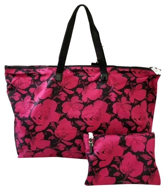 Item - New 2pcs Packable Floral Duffel Tote Carry On Pink Nylon Weekend/Travel Bag