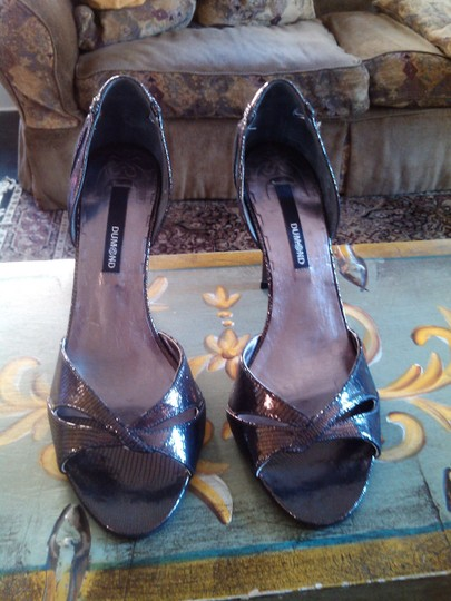 Dumond Pewter/Copper Metalic Pumps Image 1