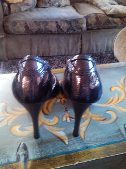 Dumond Pewter/Copper Metalic Pumps Image 2