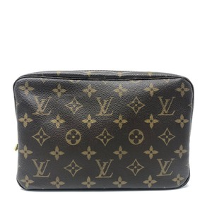 629df28762cb Louis Vuitton Makeup Cases - Up to 70% off at Tradesy (Page 4)