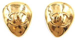 Chanel Ultra Rare XL tear drop CC gold clip on earrings