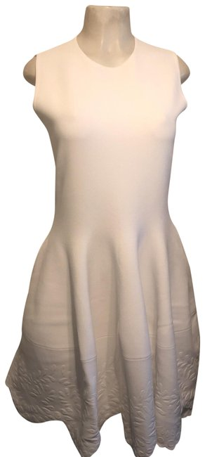 Item - White Embossed Mid-length Short Casual Dress Size 12 (L)