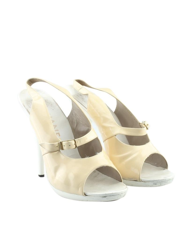 a719c490023 Chanel Beige Patent Leather Slingback Heels (165614) Sandals Size EU ...