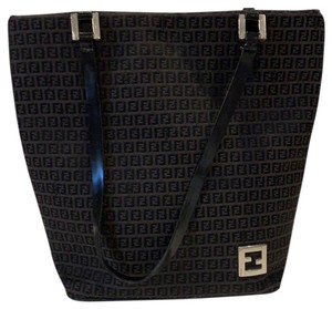 Fendi Totes on Sale - Up to 70% off at Tradesy ccd1a4cc893