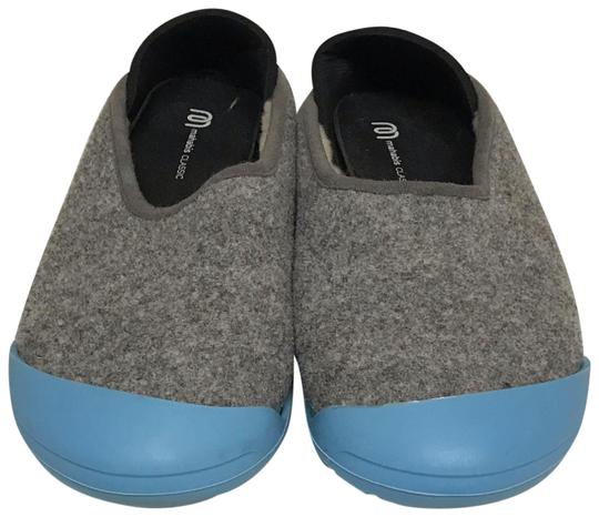 Preload https://img-static.tradesy.com/item/24742496/grey-slippers-with-sneaker-sole-flats-size-eu-39-approx-us-9-regular-m-b-0-1-540-540.jpg
