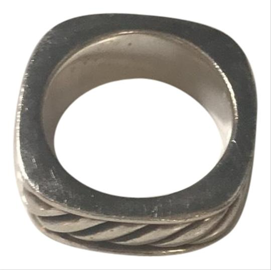 Preload https://img-static.tradesy.com/item/24742613/david-yurman-sterling-silver-ring-0-2-540-540.jpg