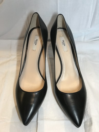 Prada Black Leather Pumps Image 6