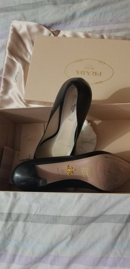 Prada Black Leather Pumps Image 7