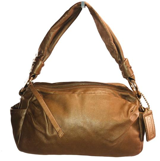 Preload https://img-static.tradesy.com/item/24742651/coach-b0969-13442-metallic-cinnamon-leather-shoulder-bag-0-0-540-540.jpg