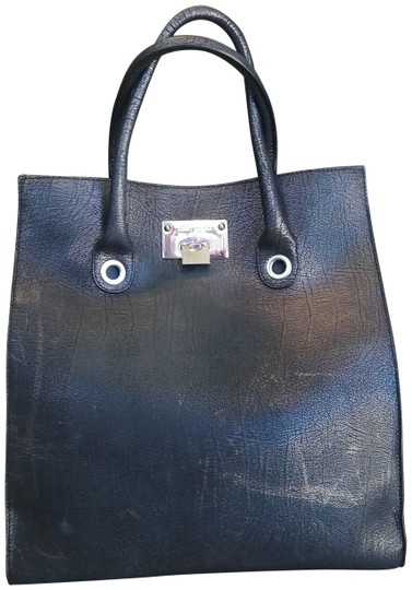 Preload https://img-static.tradesy.com/item/24743159/jimmy-choo-distressed-black-leather-tote-0-1-540-540.jpg