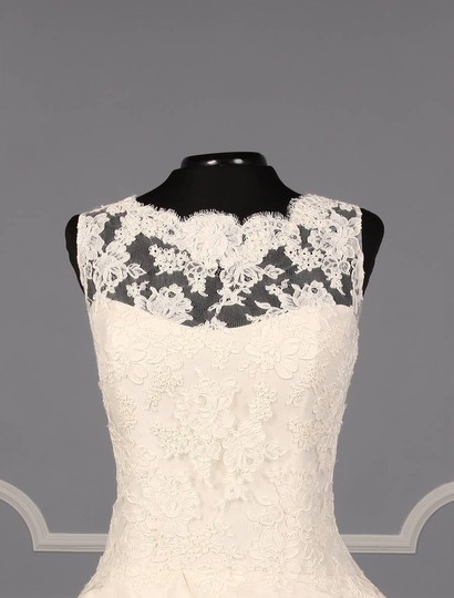 KENNETH POOL Ivory Alencon Lace / Silk Taffeta Ina K514 Formal Wedding Dress Size 8 (M) Image 1