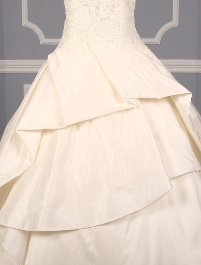 KENNETH POOL Ivory Alencon Lace / Silk Taffeta Ina K514 Formal Wedding Dress Size 8 (M) Image 2