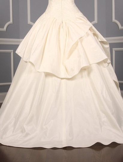 KENNETH POOL Ivory Alencon Lace / Silk Taffeta Ina K514 Formal Wedding Dress Size 8 (M) Image 8