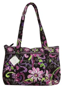 Vera Bradley Shoulder Bags - Up to 90% off at Tradesy 5ca1281c5a