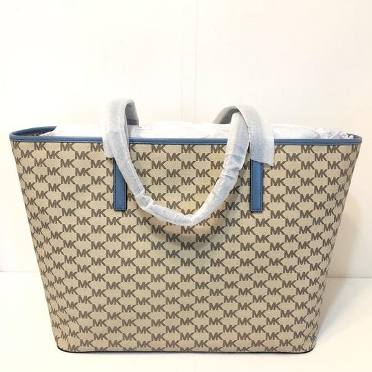 Michael Kors Large Canvas Continental Wallet Emry Tote in Natural / Denim Blue Image 3