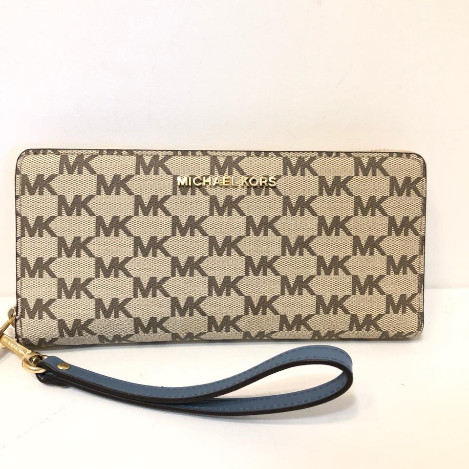 872cbcdedac0 Michael Kors Large Canvas Continental Wallet Emry Tote in Natural / Denim  Blue Image 11. 123456789101112