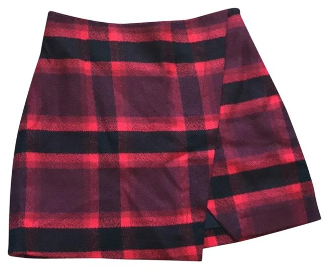 Preload https://img-static.tradesy.com/item/24743557/abercrombie-and-fitch-black-and-red-wool-skirt-short-casual-dress-size-0-xs-0-1-650-650.jpg